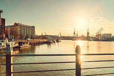 Sonnenuntergang am Westhafen - p1332m1572965 von Tamboly