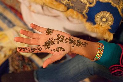 Henna-Tattoo - p775m900864 von angela pfeiffer