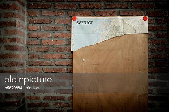 Abgerissene Landkarte - p5670884 von ofoulon