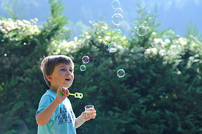 Seifenblasen - p8290080 von Régis Domergue