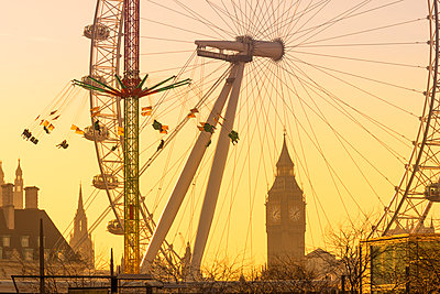 Houses of Parliament, Big Ben and London Eye, London, England, United Kingdom, Europe - p871m1480353 by Alan Copson