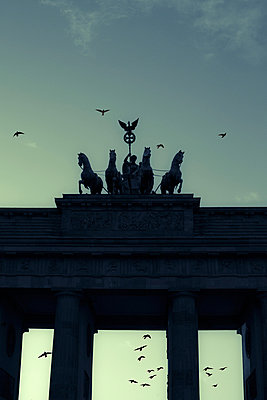 Brandenburg Gate - p975m883345 by Hayden Verry