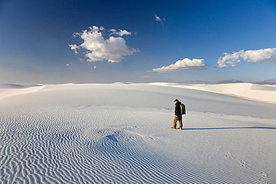 Tourist and sand dunes in White Sands National Monument - p5756541 by Halling, Sven