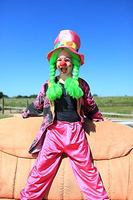 Schriller Clown - p045m1044822 von Jasmin Sander