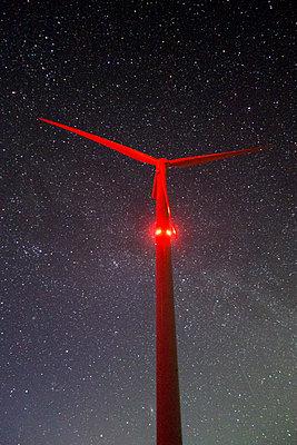 Windkraft am Polarhimmel - p1079m1182240 von Ulrich Mertens