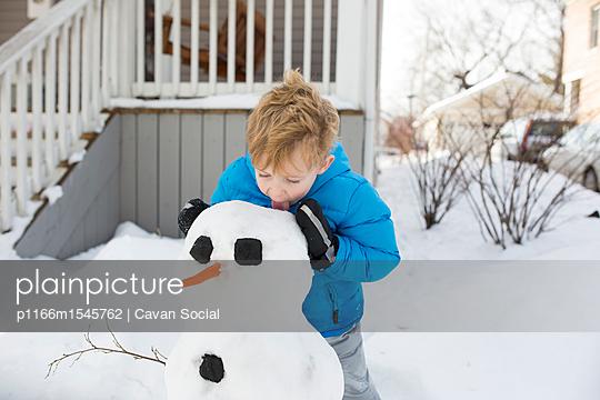 p1166m1545762 von Cavan Social