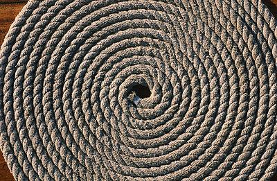 Hemp rope - p1003m781284 by Terje Rakke