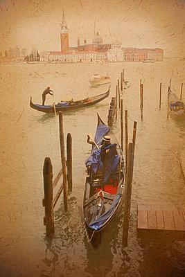 Transport in Venedig - p1653m2232326 von Vladimir Proshin