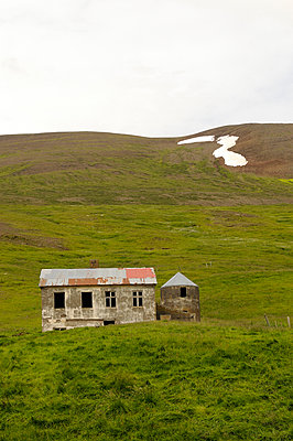 Abandoned house - p470m934104 by Ingrid Michel
