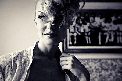 Frauenportrait - p9040026 von Stefanie Päffgen
