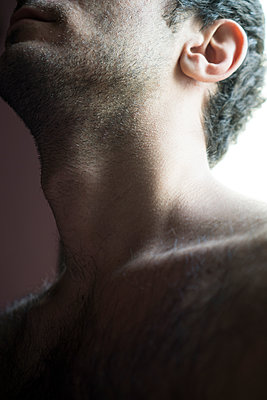 Close up of a man's neck  - p794m1092334 by Mohamad Itani
