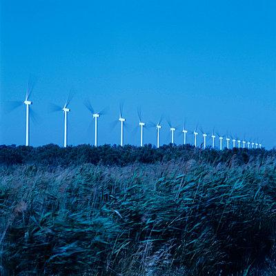 Reihe Windräder - p9150022 von Michel Monteaux