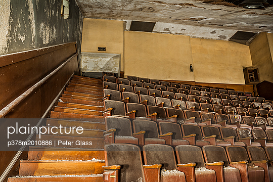 Old abandoned theatre - p378m2010886 by Peter Glass
