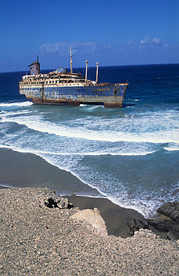 Fuerteventura, Schiffswrack American Star - p2687385 von Andres Wertheim