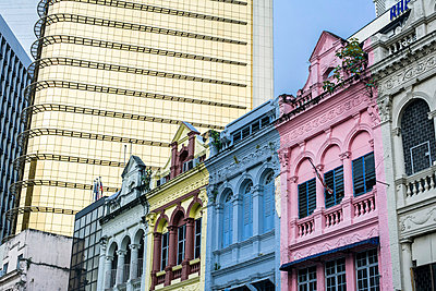 Old and new in Kuala Lumpur - p741m892086 by Christof Mattes