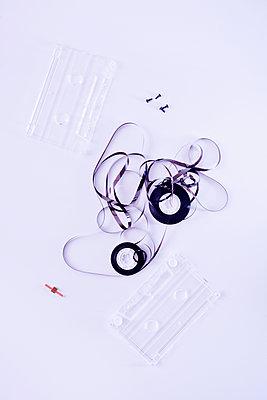 Defekte Kassette - p1149m2028444 von Yvonne Röder