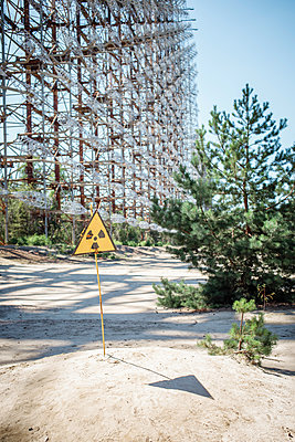 Warnschild in Tschernobyl - p1319m2031083 von Christian A. Werner