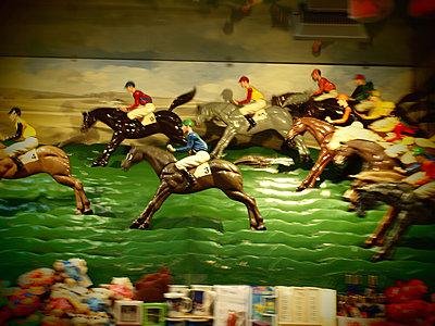Horse-racing - p132m2071283 by Peer Hanslik