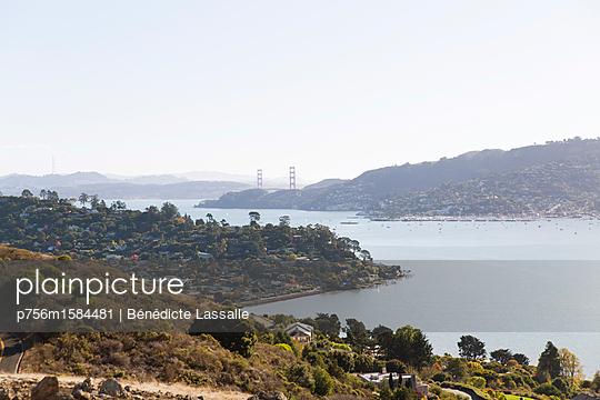 Blick über die Bucht - p756m1584481 von Bénédicte Lassalle