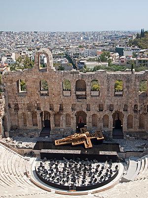 Odeon des Herodes Atticus Theater - p338m1068447 von Marion Beckhäuser