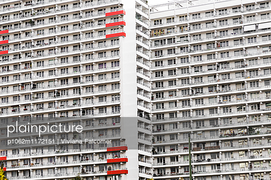 Residential building - p1062m1172151 by Viviana Falcomer