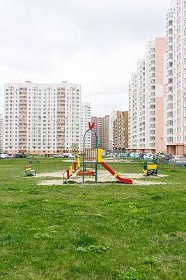 Spielplatz - p310m1165883 von Astrid Doerenbruch