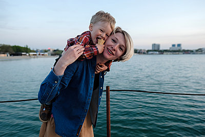 Happy mother and son - p1363m2108779 by Valery Skurydin