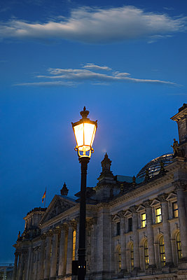 Reichstags building - p1038m1514988 by BlueHouseProject