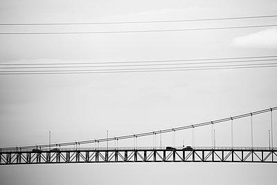 Norway, Bergen, cars on bridge - p300m2219536 by Nadine Ginzel