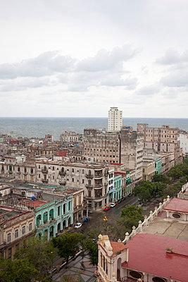 Overlooking Havana town - p304m1092285 by R. Wolf