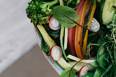 Close up vegetable salad - p301m2213611 by Toby Mitchell