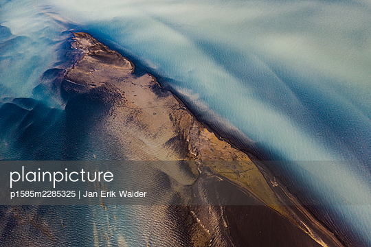 Abstract detail of the river  Ölfusá - p1585m2285325 by Jan Erik Waider