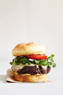 Exclusive Burger - p938m754472 by Christina Holmes