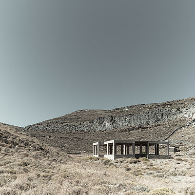 Isolated shell construction in rocky landscape - p1624m2195938 by Gabriela Torres Ruiz