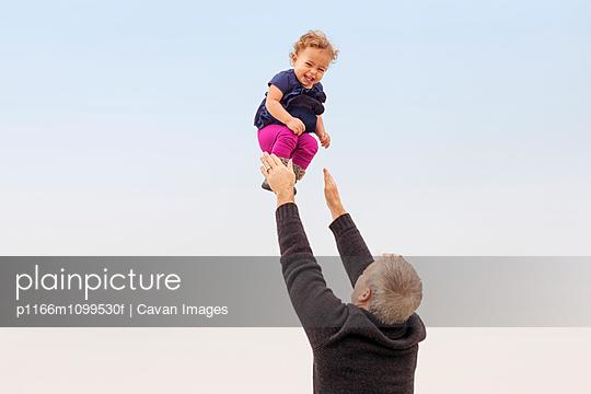 p1166m1099530f von Cavan Images