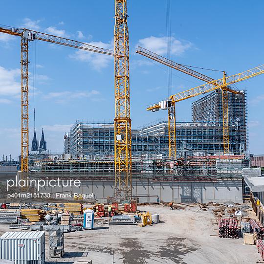 Major construction site - p401m2181733 by Frank Baquet