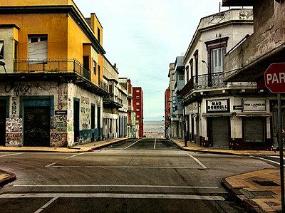 South America, Uruguay, Montevideo, Street View - p300m1010140 by Arist von S.