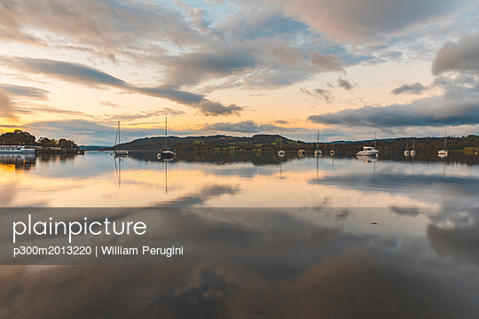 United Kingdom, England, Cumbria, Lake District, Windermere lake, view at sunrise from Ambleside - p300m2013220 by William Perugini