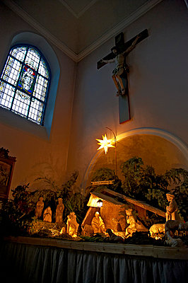 In the church - p851m702270 by Lohfink