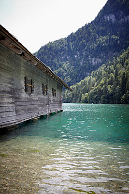 Lake in upper Bavaria - p464m948420 by Elektrons 08