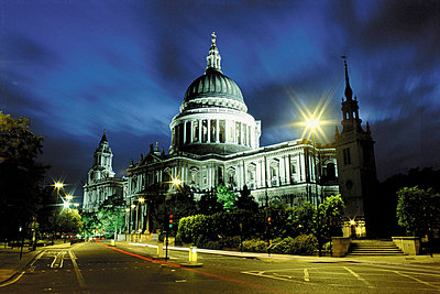 St Paul's Cathedral - p92410861f by Image Source
