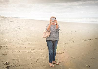 Beach tourist - p1275m1511150 by cgimanufaktur