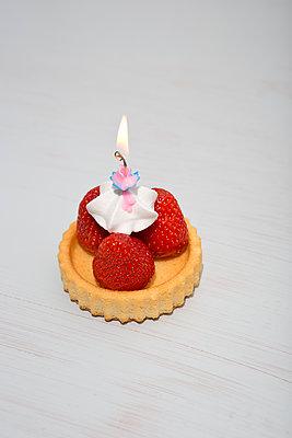 Summer birthday - p454m1143704 by Lubitz + Dorner