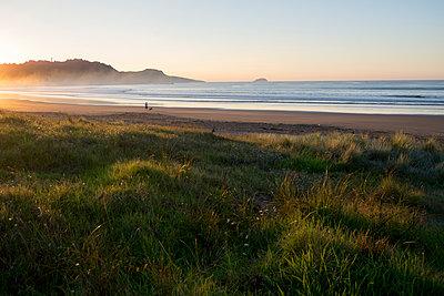 Gisborne Beach - p1201m1540047 von Paul Abbitt