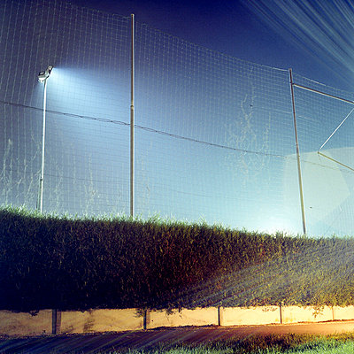 Floodlight - p9110545 by Benjamin Roulet