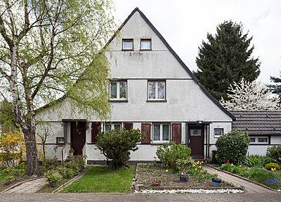 """Haus in der Arbeitersiedlung """"Dahlhauser Heide"""" in Bochum - p105m1025455 von André Schuster"""