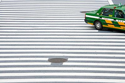 Zebra und Auto - p265m794115 von Oote Boe