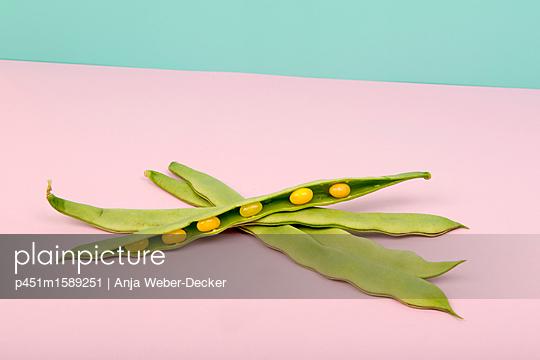 Bohnen mit Jelly Bellys - p451m1589251 von Anja Weber-Decker
