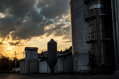 Milling silo at sunset - p1291m1362426 by Marcus Bastel