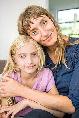 Mutter und Tochter - p1156m1591808 von miep